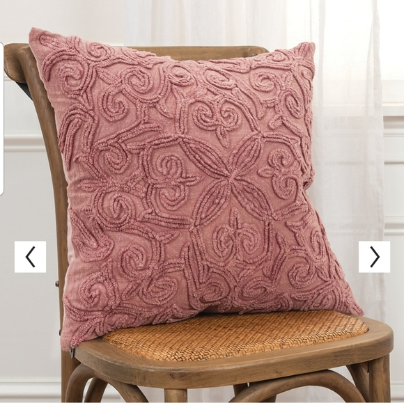 """20""""x20"""" Swirls Polyester Filled Pillow - Rizzy Hom"""